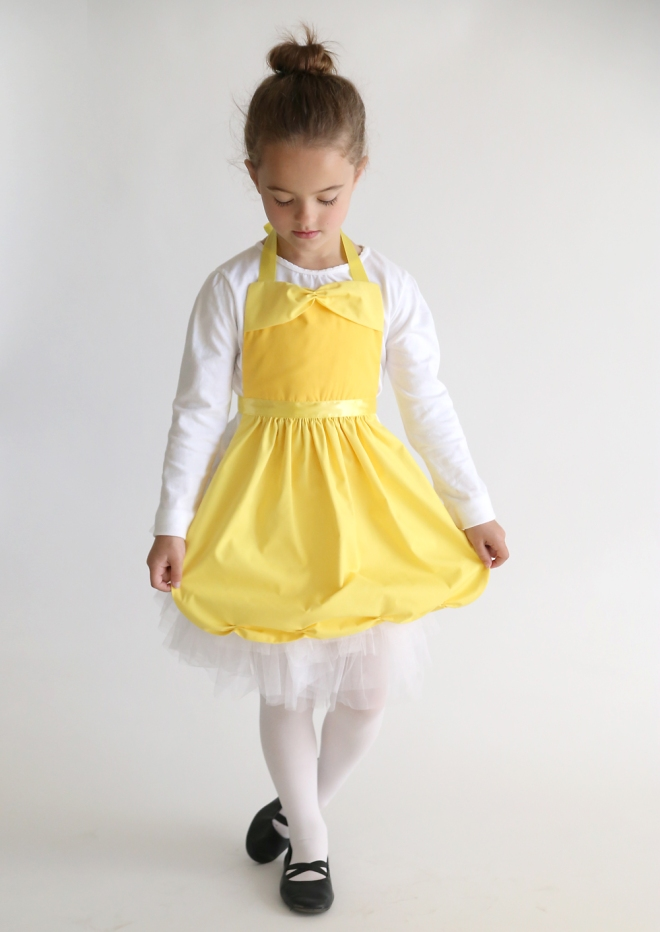 belle-princess-dress-up-apron-free-sewing-pattern-easy-handmade-gift-idea-girls-8-1