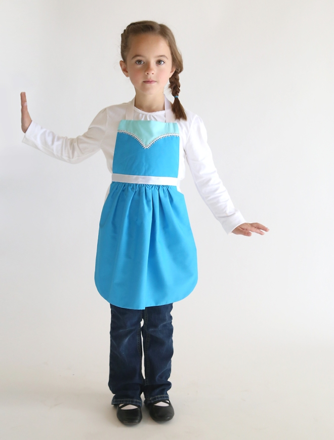 elsa-princess-dress-up-apron-free-pdf-sewing-pattern-easy-handmade-Christmas-gift-girl-7