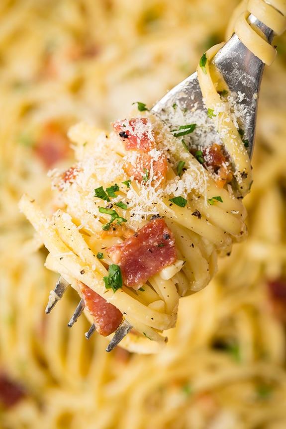 pasta-carbonara-srgb