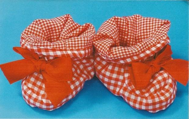 Cosy Toes Tutorial - Little red booties - www.feedourlife.blog