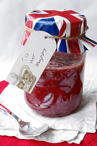 Royal Wedding Crafts - Strawberry Champagne Jam