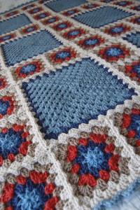 Granny Square Blanket Crochet pattern - best free crochet blanket patterns - www.feedourlife.blog