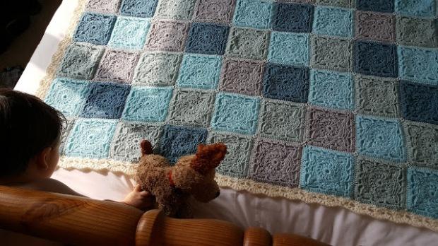 Willow Square Blanket - best free crochet blanket patterns - www.feedourlife.blog