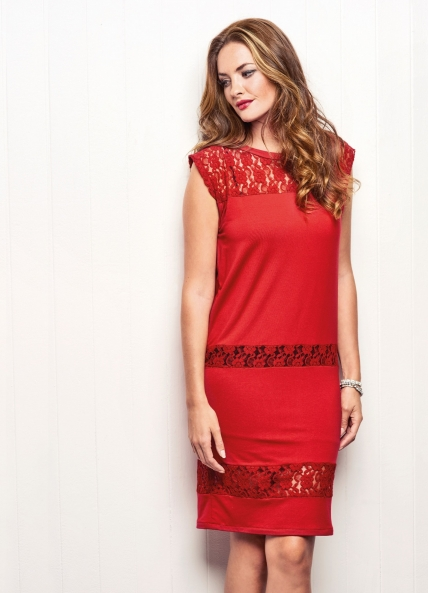 FREE PATTERN - Eve Dress by Julia Claridge and brought to you by www.feedourlife.blog