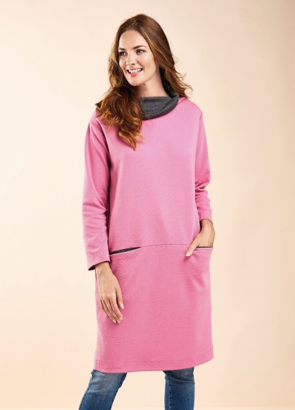 FREE PATTERN - Josie Tunic Dress by Amanda Walker and brought to you by www.feedourlife.blog