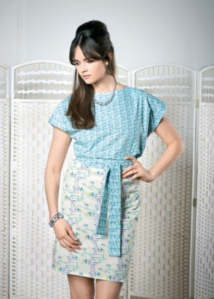 FREE PATTERN - No Pattern Tunic Dress by Sew Mag and brought to you by www.feedourlife.blog