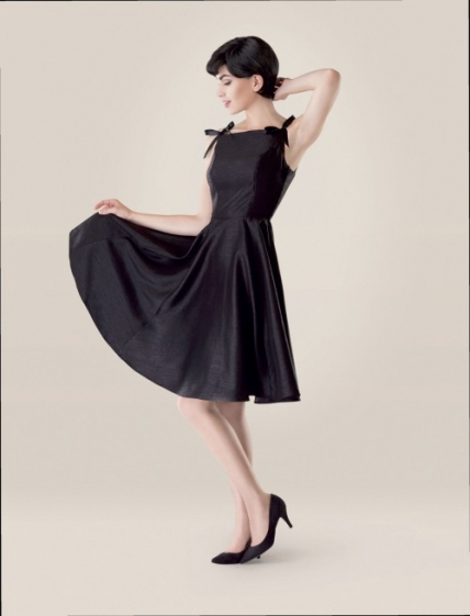 FREE PATTERN - Sabrina (Audrey Hepburn) Dress by Dolin Bliss O'Shea and brought to you by www.feedourlife.blog
