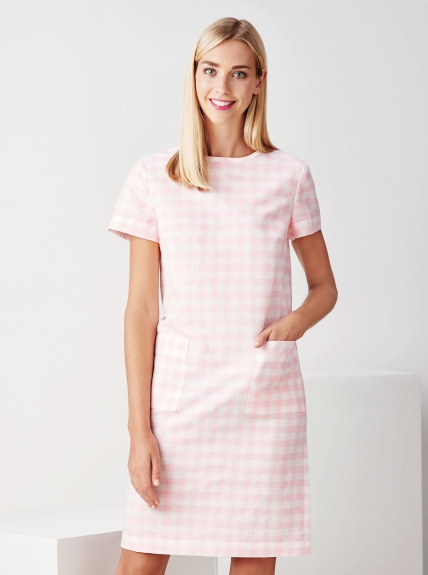 FREE PATTERN - Twiggy Shift Dress by Amanda Walker and brought to you by www.feedourlife.blog