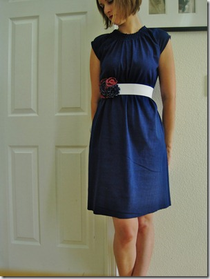 FREE PATTERN - Casually Cute Knit Dress - by Made It On Monday and brought to you by www.feedourlife.blog