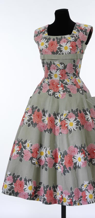 FREE PATTERN - Golden Age Dress - by Horrockses Fashion (V&A) and brought to you by www.feedourlife.blog
