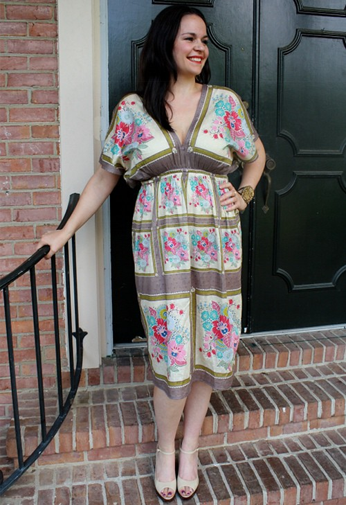 FREE PATTERN - Museum Tunic - by Anna Maria Horner and brought to you by www.feedourlife.blog